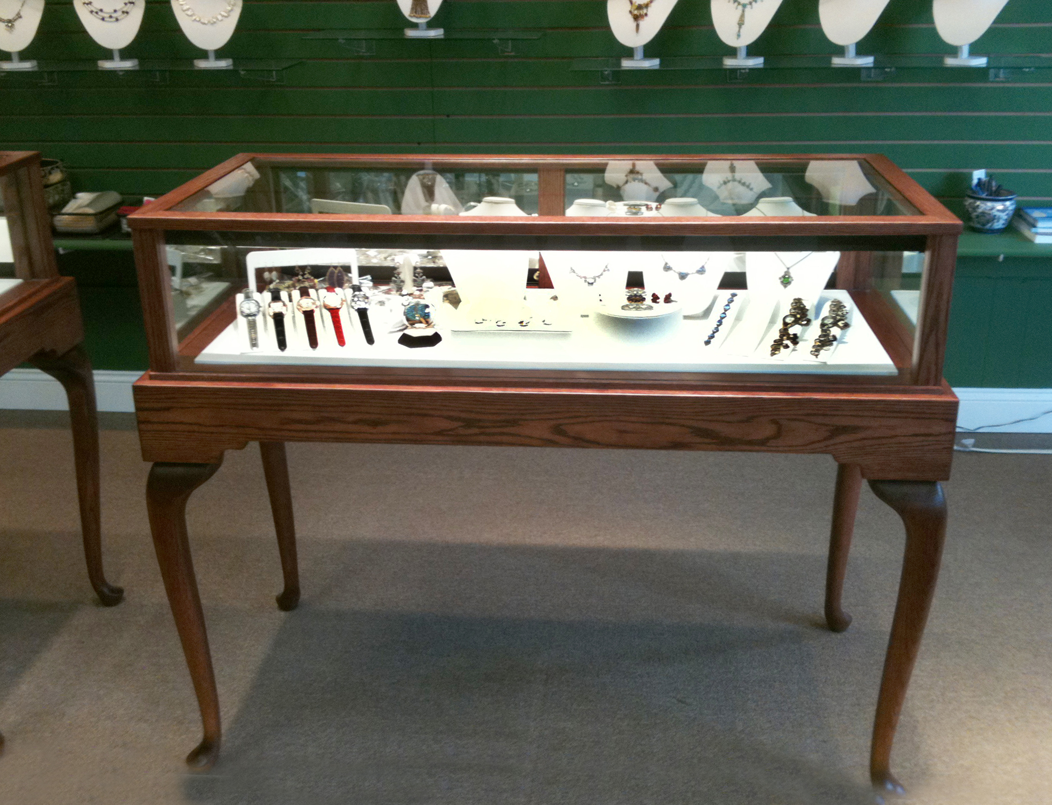 Queen Anne Jewelry Vision Display Case