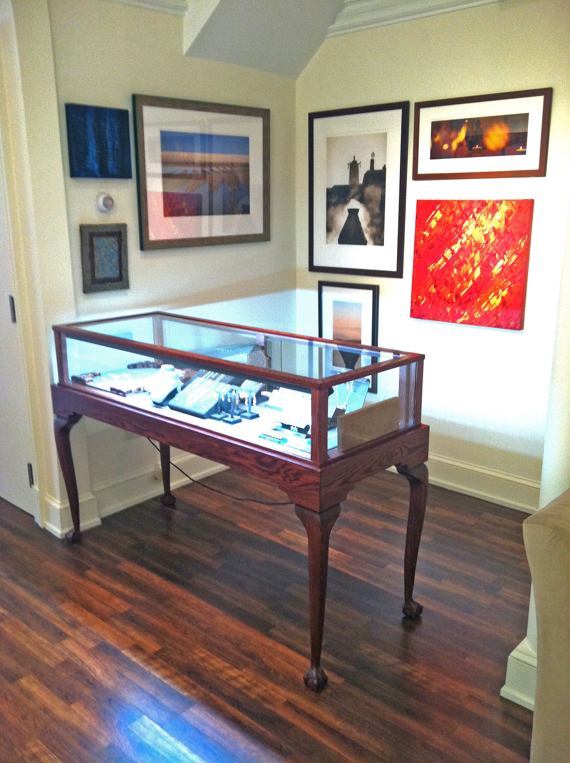 Queen Anne Jewelry Vision Showcase