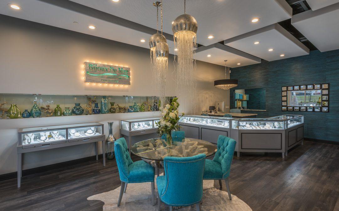 Elegant and Custom Horizontal Jewelry Store Cases for Bijoux De Mer in Florida
