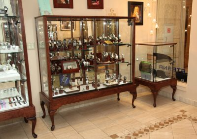 Custom-Queen-Anne-Display-Case-Gervil-13