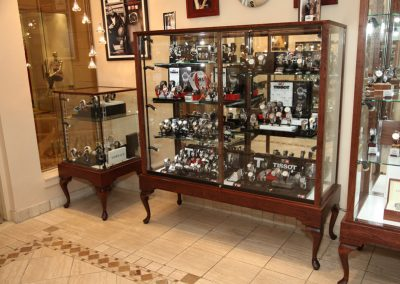 Custom-Queen-Anne-Display-Case-Gervil-14