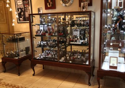 Custom-Queen-Anne-Display-Case-Gervil-2