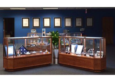 AJ Antunes Trophy Display Case 800 2
