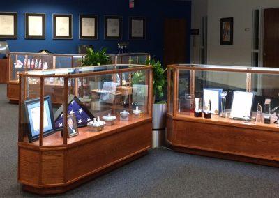 AJ Antunes Trophy Display Case 800 3