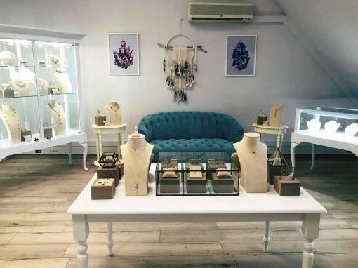 Hinerava Jewelry Store