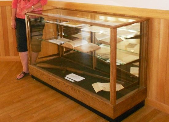 An Extra Vision Contemporary Rectangle Horizontal Display Case Made For A Museum
