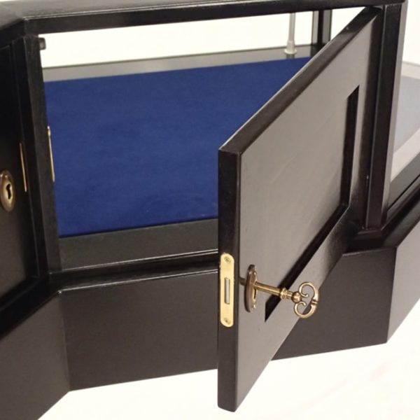 Details of a Jewelry Vision Queen Anne Half Octagon Horizontal Display Case