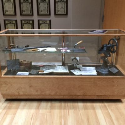 Full Vision Classic Rectangle Horizontal Display Case Made For A Museum